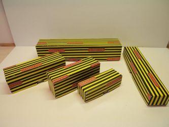 replica geel zwarte strepen doosjes groot € 4,50 kuilwagen € 3,50, ERZ wagen € 3,- Kassel € 3,- en kleinste € 2,- (nr: TrixRep6)